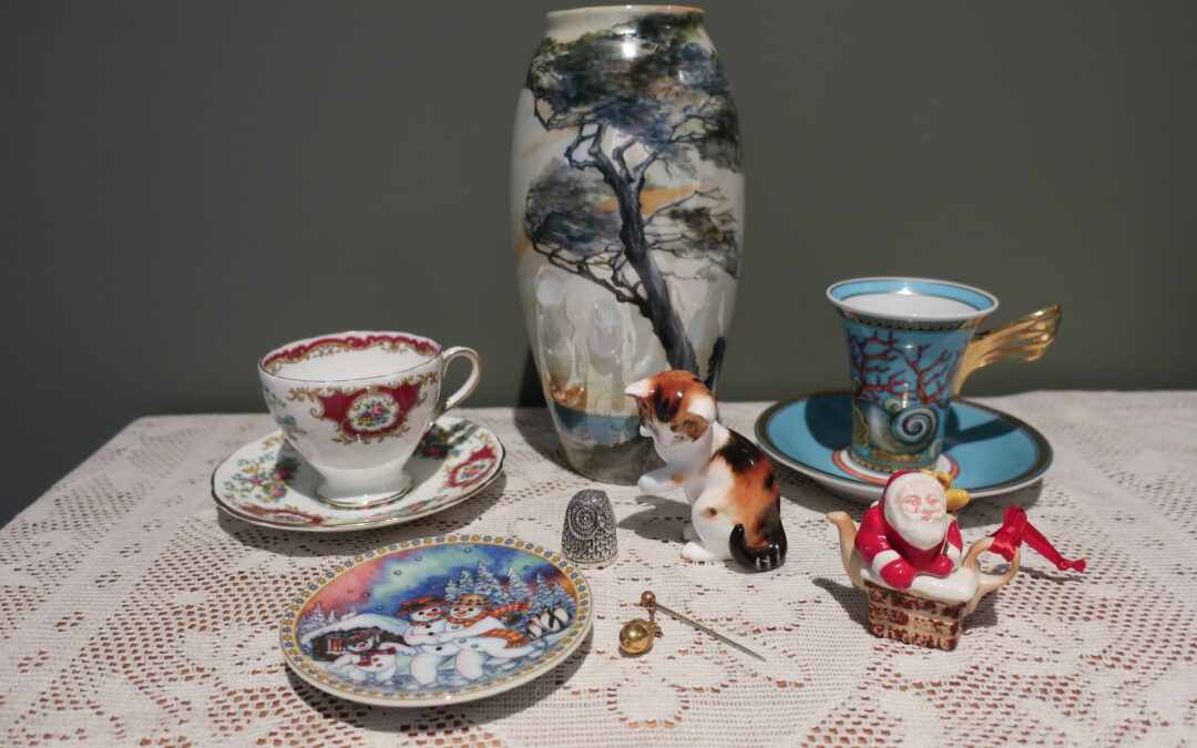 Sneak Peek For The Week – Foley China, Paul Cardew, Antique Gold, Rosenthal For Versace, Royal Worcester, Sterling Silver, Royal Doulton, Art Deco Lustre Vase