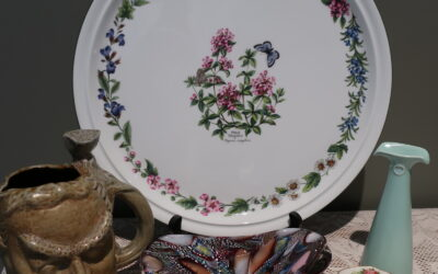 Sneak Peek For The Week – Royal Worcester, Art Glass, Bendigo Pottery, George Jones Crescent China, Poole Pottery
