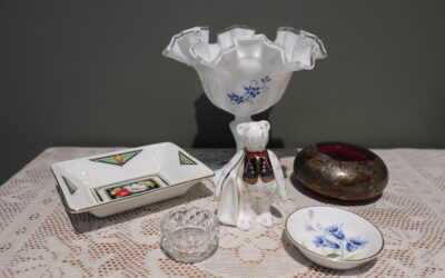 Sneak Peek For The Week – Royal Crown Derby, Aynsley, Isle of Wight Glass, Vintage Crystal, Fenton, Royal Worcester Kitty Blake