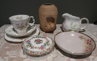 Sneak Peek For The Week – Brush Tail Possum Vase, Royal Albert Trio, Alva Gooden Bowl, Queens China Creamer, Coalport Trinket Box